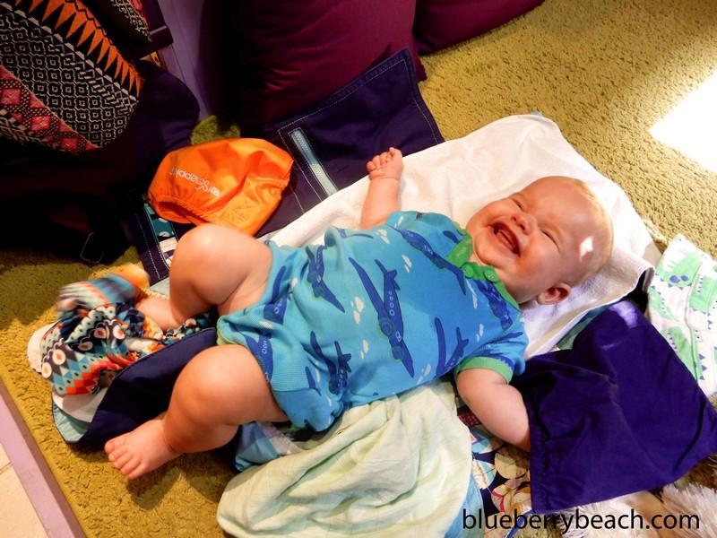 Hugó baba Liliputi pelenkázó alátétben